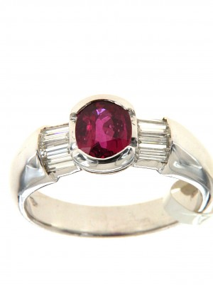 Anello fantasia con rubino ovale e diamanti taglio baguette - rub-257
